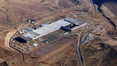 Photo of Battery Cell Production Begins at Tesla's Futuristic Gigafactory