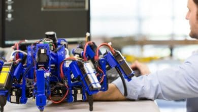 Photo of Siemens Shows Off Collaborative 3D Printing with Robotic Spiders