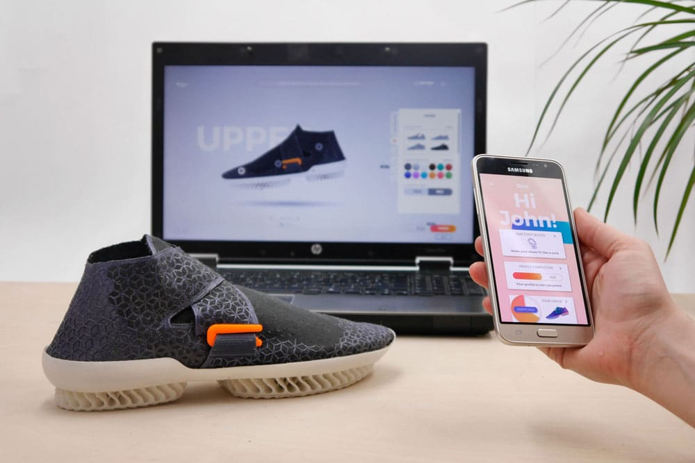 Customizable 3D printed shoe and an app to make them (Source: Gronowicz & Motylinska)