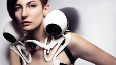 Photo of Anouk Wipprecht's Latest 3D Printed SpeakerDress Turns You Into an Alien Boombox