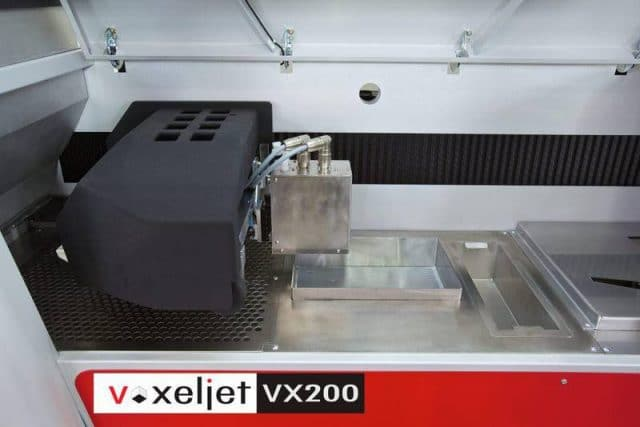 The VX200's print head system can achieve a resolution of up to 300 dpi for ceramics 3D printing