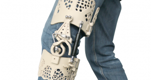 BIoNEEK knee brace on leg