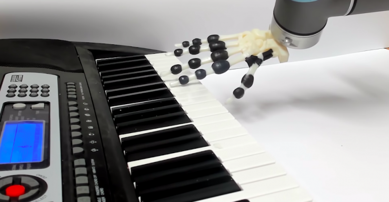 piano-playing robotic hand