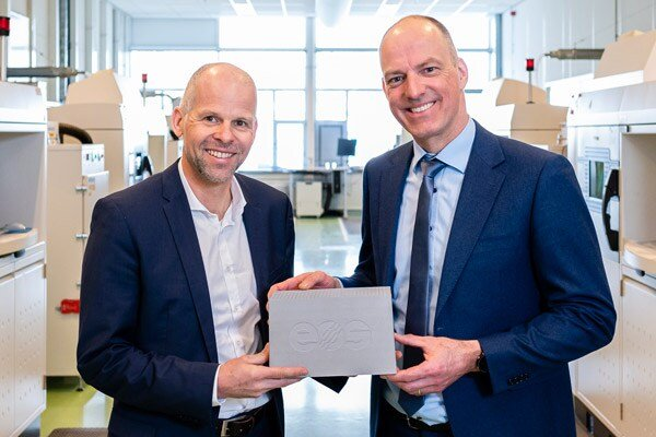 Photo of EOS and Dunlee joined forces to ramp up anti-scatter grid production in response to the novel coronavirus
