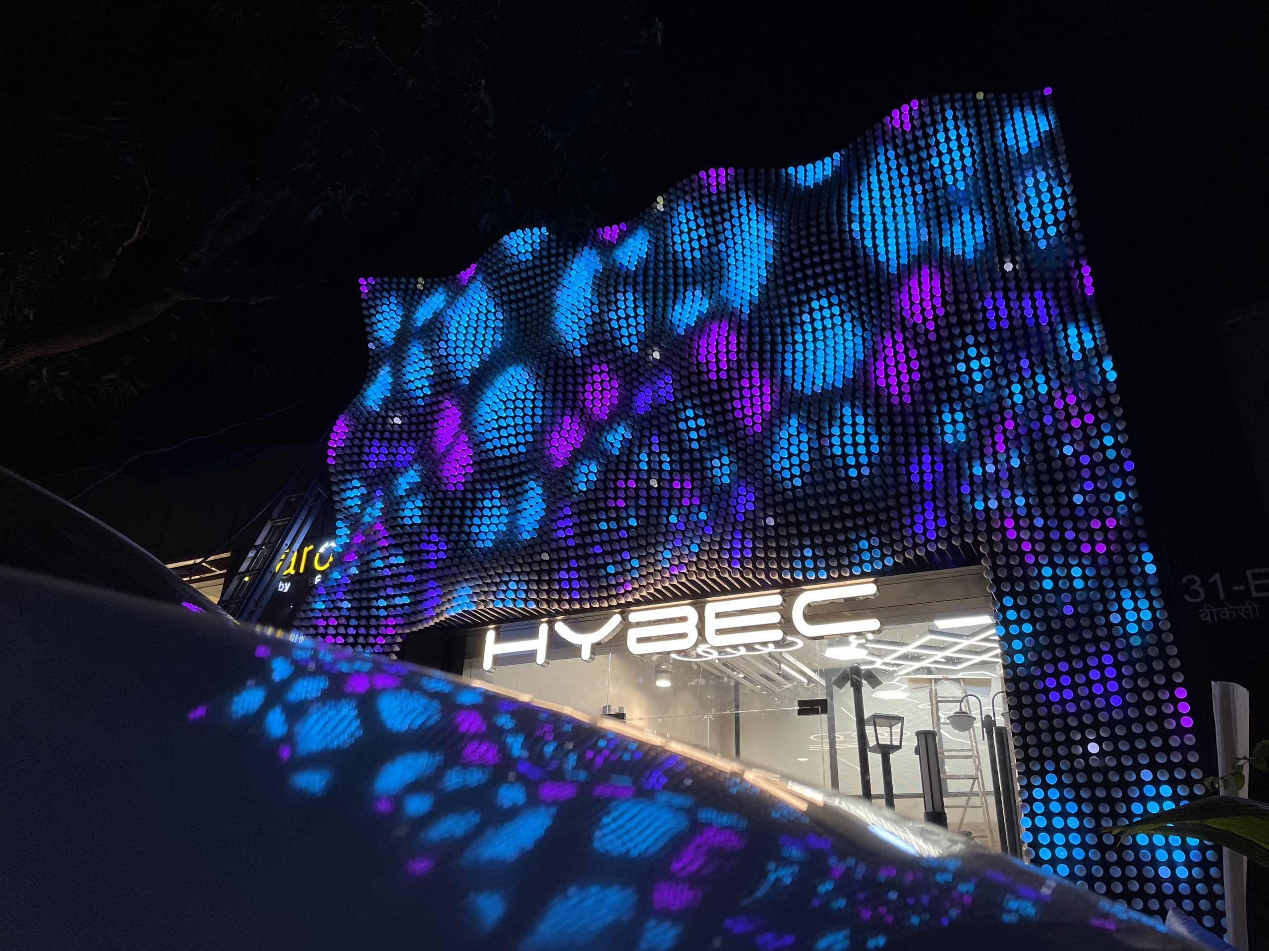 Hybec Lighting store facade in Mumbai is lit by 6,000 3d printed light bulbs