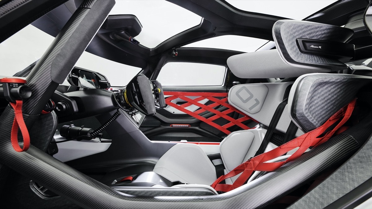 Mission R: merging real racing and esports on 3D printed lattice seats